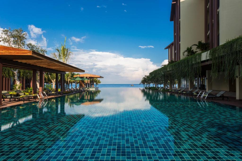 The swimming pool at or near Dusit Princess Moonrise Beach Resort