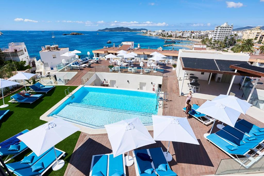 A view of the pool at Eurostars Ibiza or nearby