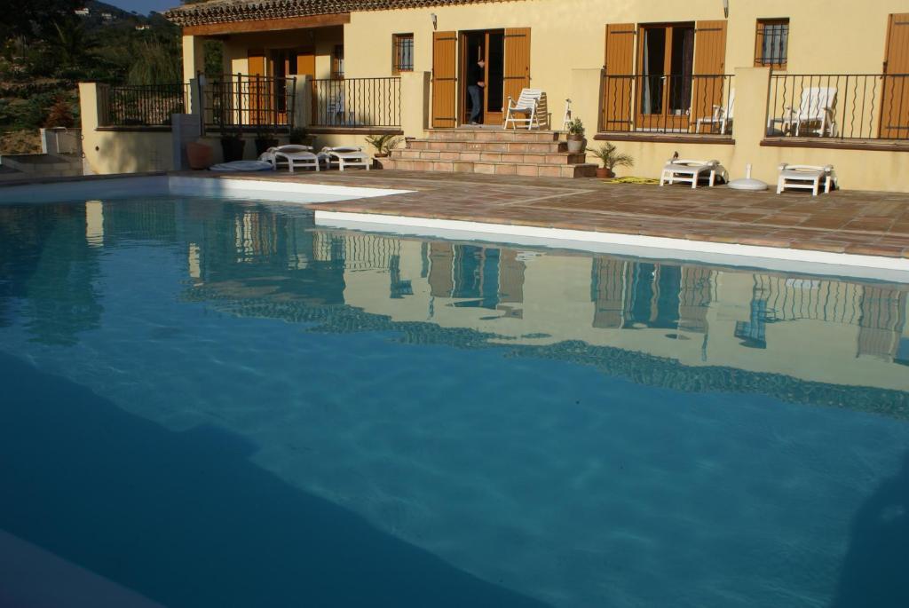 Bed & Breakfast Jardins d\'Antalya (Frankreich Grimaud ...