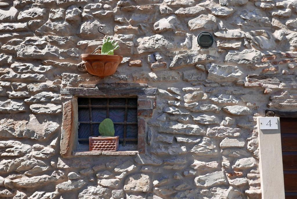 Apartment Le Dame del Borgo, Sassetta, Italy - Booking.com