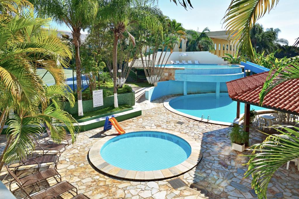 A view of the pool at Vilage Inn Ribeirão Preto or nearby