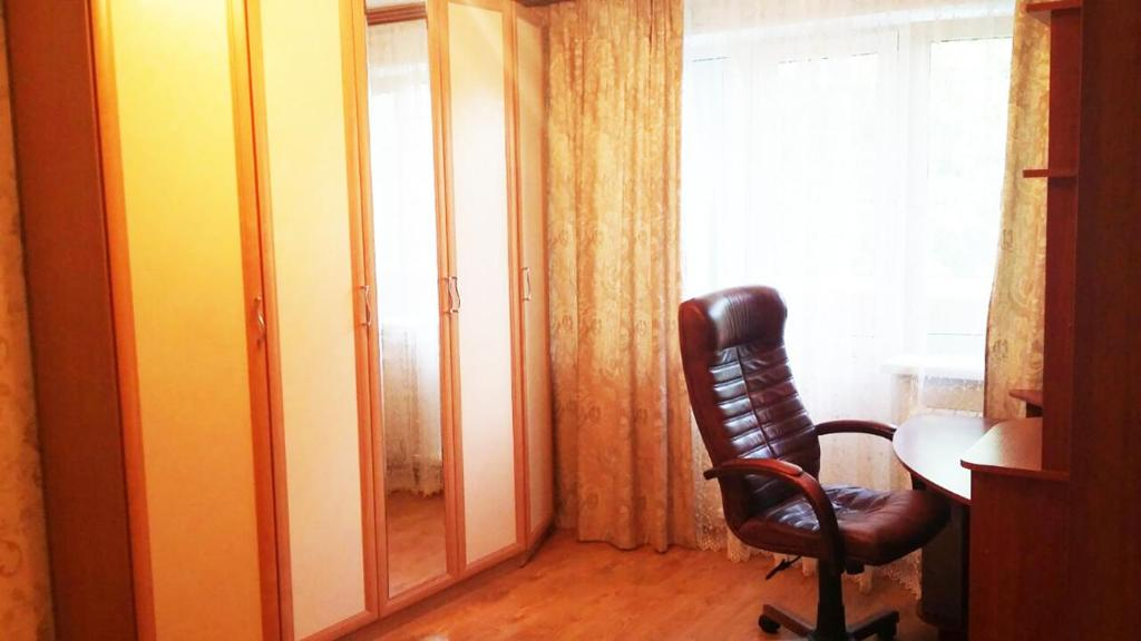 A seating area at Apartaments na Kirova