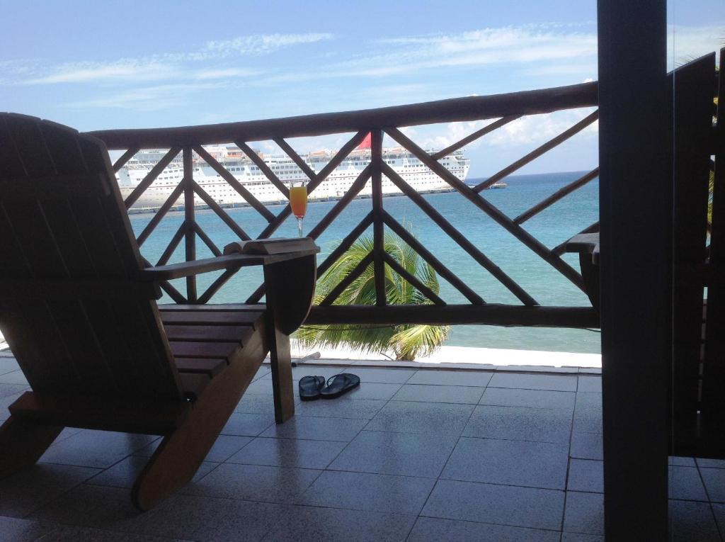 Un balcón o terraza de Hotel Boutique Vista del Mar Cozumel