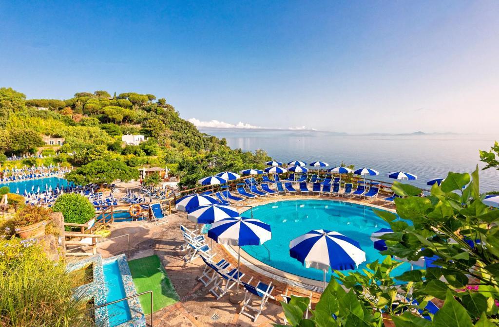 Вид на бассейн в Hotel Oasi Castiglione или окрестностях