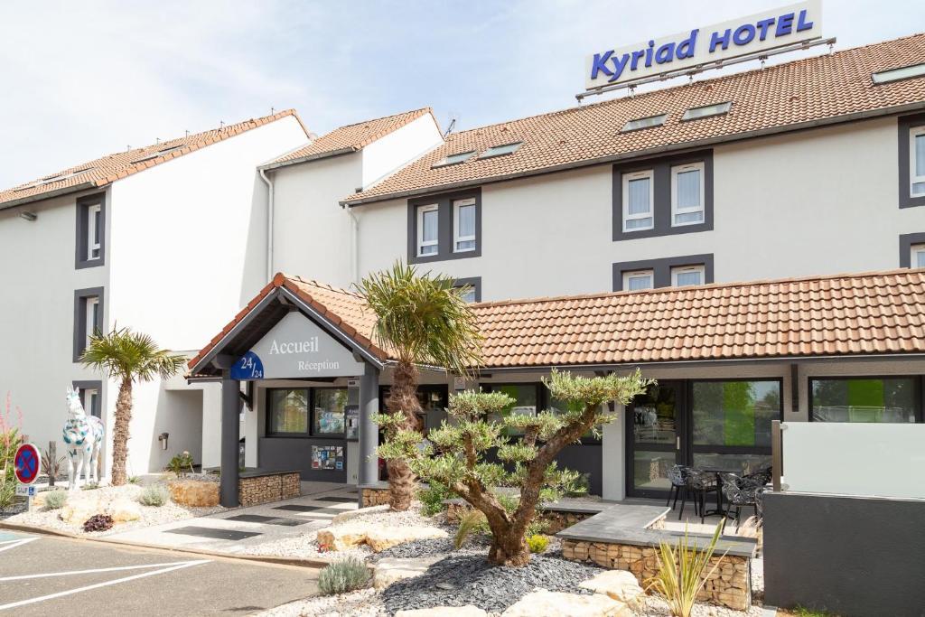 Hotel Kyriad Niort France Booking Com