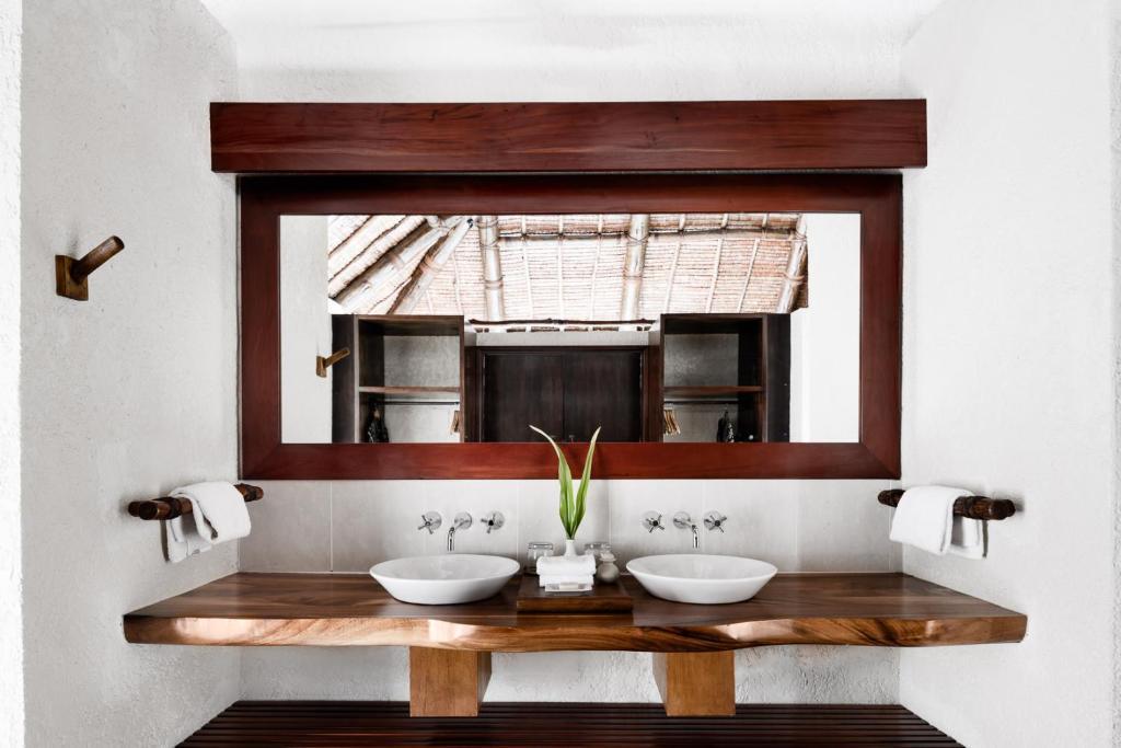 Een badkamer bij Tokoriki Island Resort - Adults Only