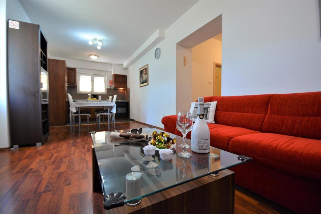 A seating area at Apartment Korina