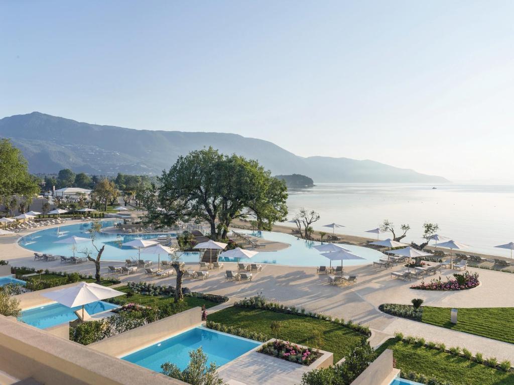Θέα της πισίνας από το Ikos Dassia ή από εκεί κοντά