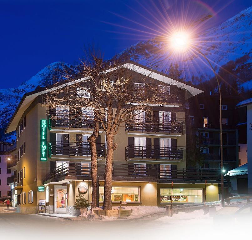 Hotel Emet im Winter
