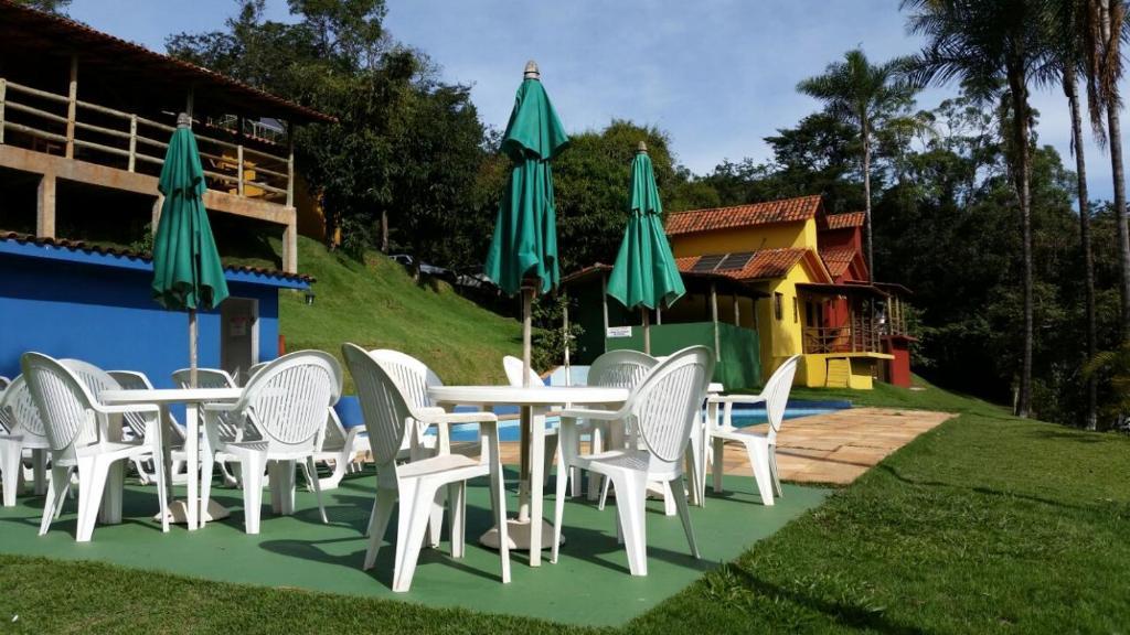 Um jardim em Pousada Recanto do Chale