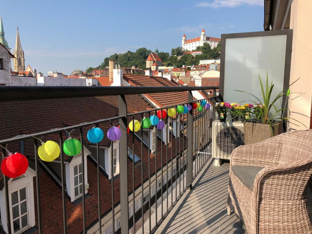 A balcony or terrace at Heart of the Old Town Apt - Terrace&View