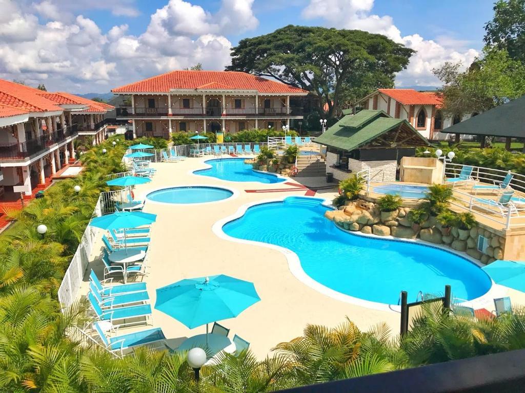 Vista de la piscina de Hotel Campestre las Camelias o alrededores