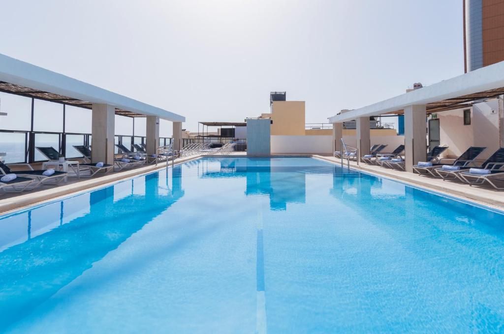 Πισίνα στο ή κοντά στο Alexandra Hotel
