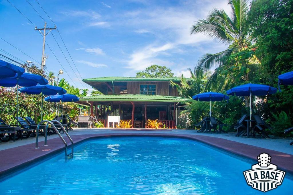 The swimming pool at or close to Hotel La Isla Inn