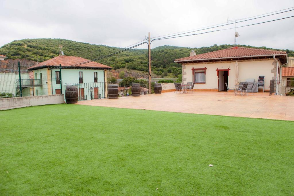 Casa Rural Lagun Etxea (España Pobes) - Booking.com