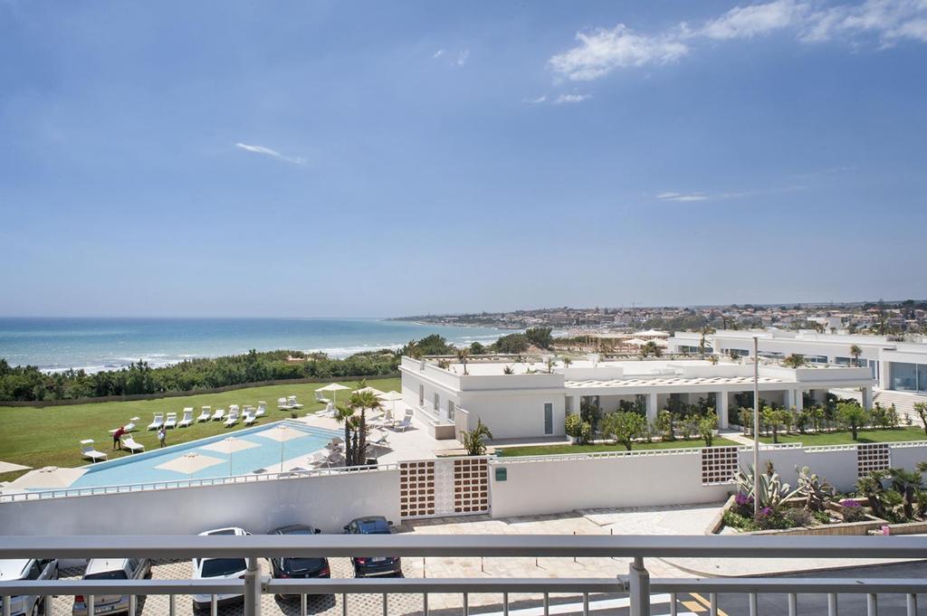 Risultato immagini per modica beach resort