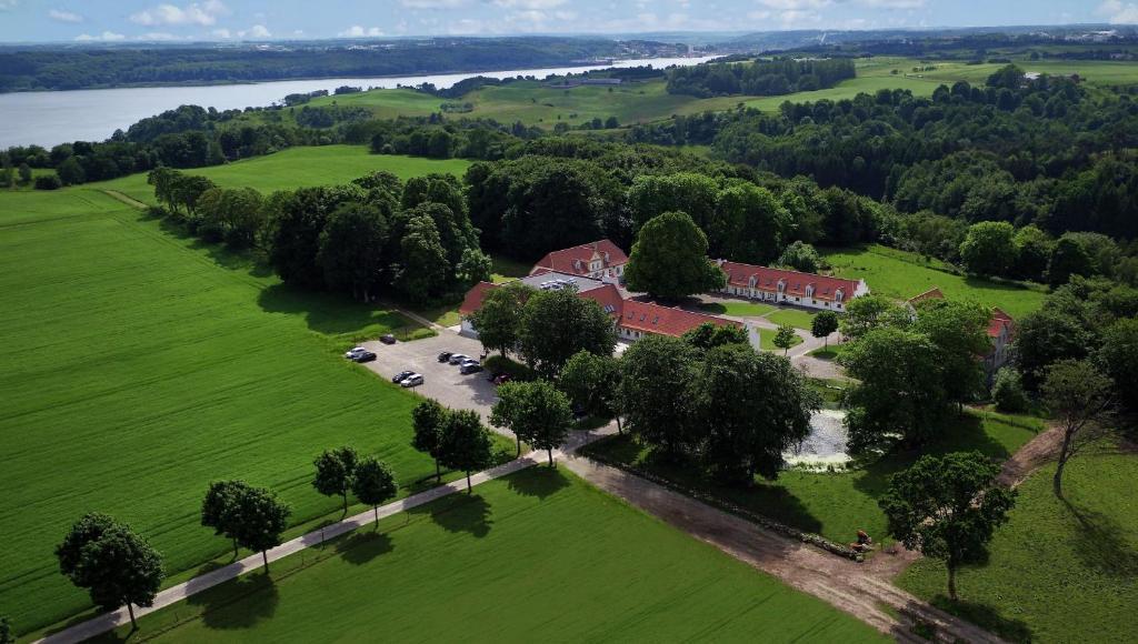 Et luftfoto af Bramslevgaard