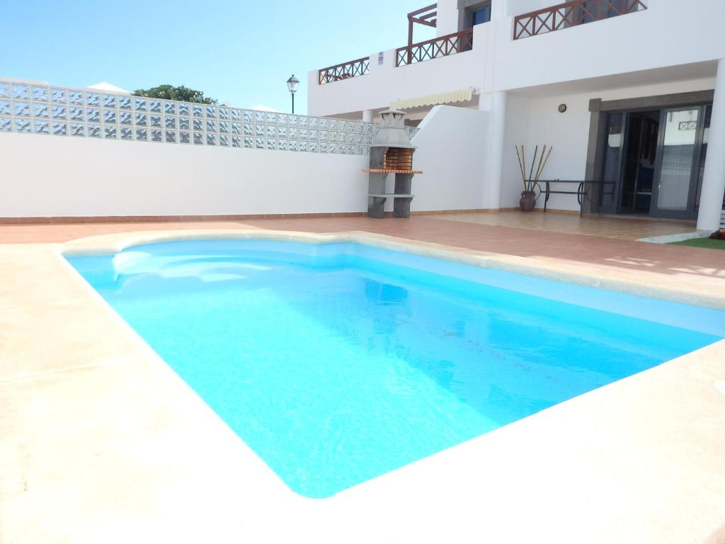 Villa con Piscina Privada, Playa Blanca, Spain - Booking.com
