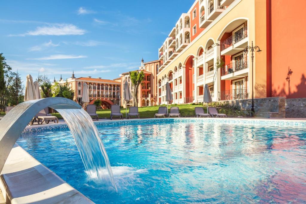 The swimming pool at or near Festa Via Pontica