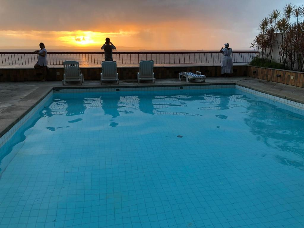The swimming pool at or close to Flat Sol Victoria Marina