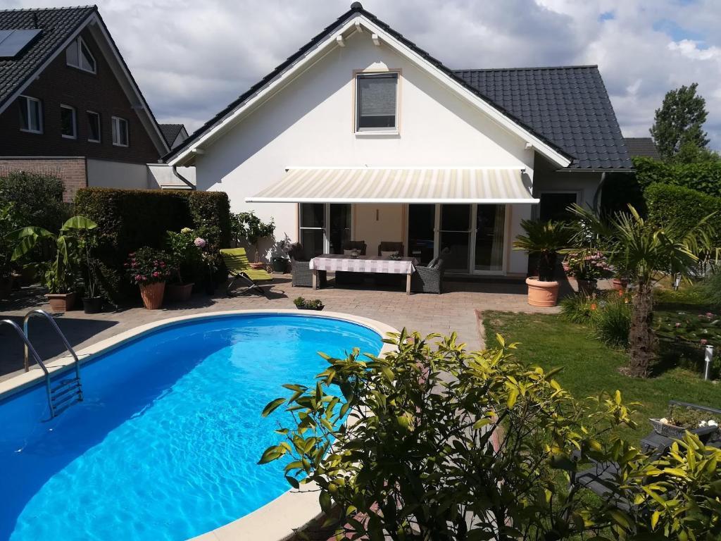 Bed And Breakfast Garden Of Eden Kranenburg Germany Booking Com