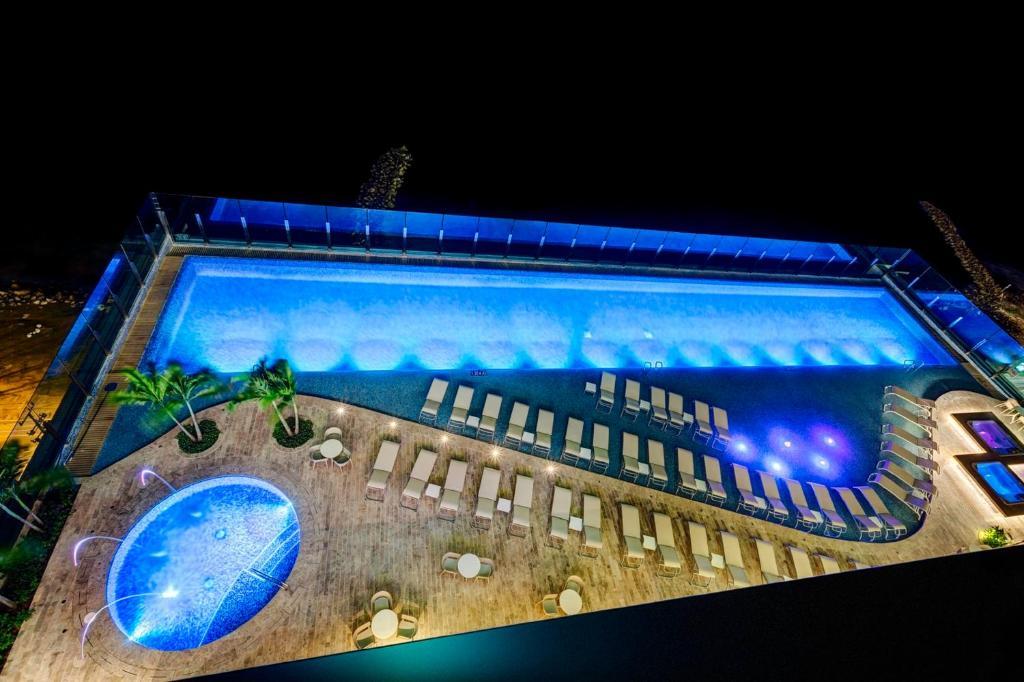 A view of the pool at Estelar Cartagena de Indias Hotel y Centro de Convenciones or nearby