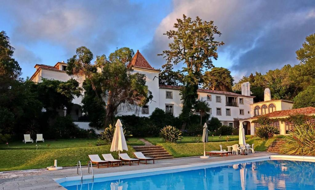 The swimming pool at or close to Quinta de Sao Thiago