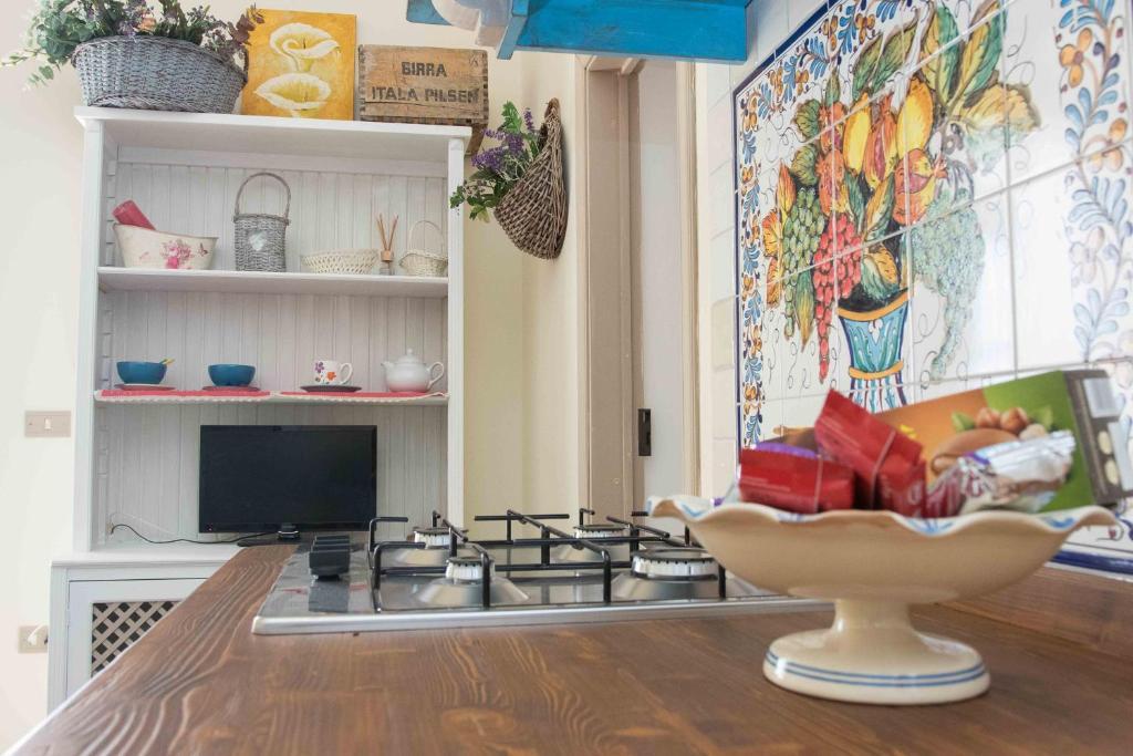 Cool Apartment La Casa Di Emma Massafra Italy Booking Com Caraccident5 Cool Chair Designs And Ideas Caraccident5Info
