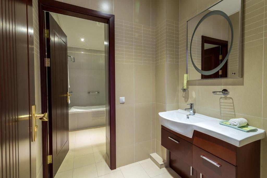 A bathroom at Lenina Hotel