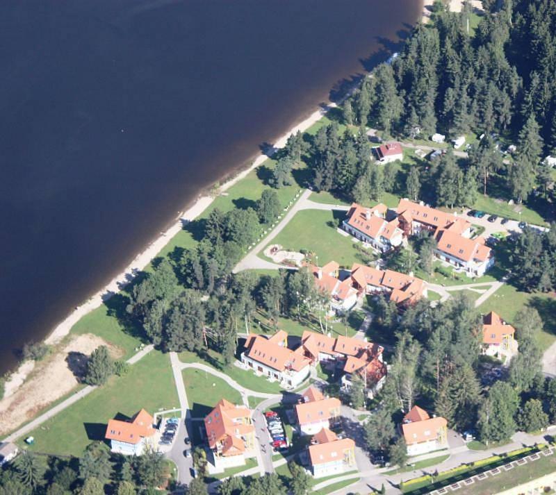 Letecký snímek ubytování Riviera Lipno nad Vltavou