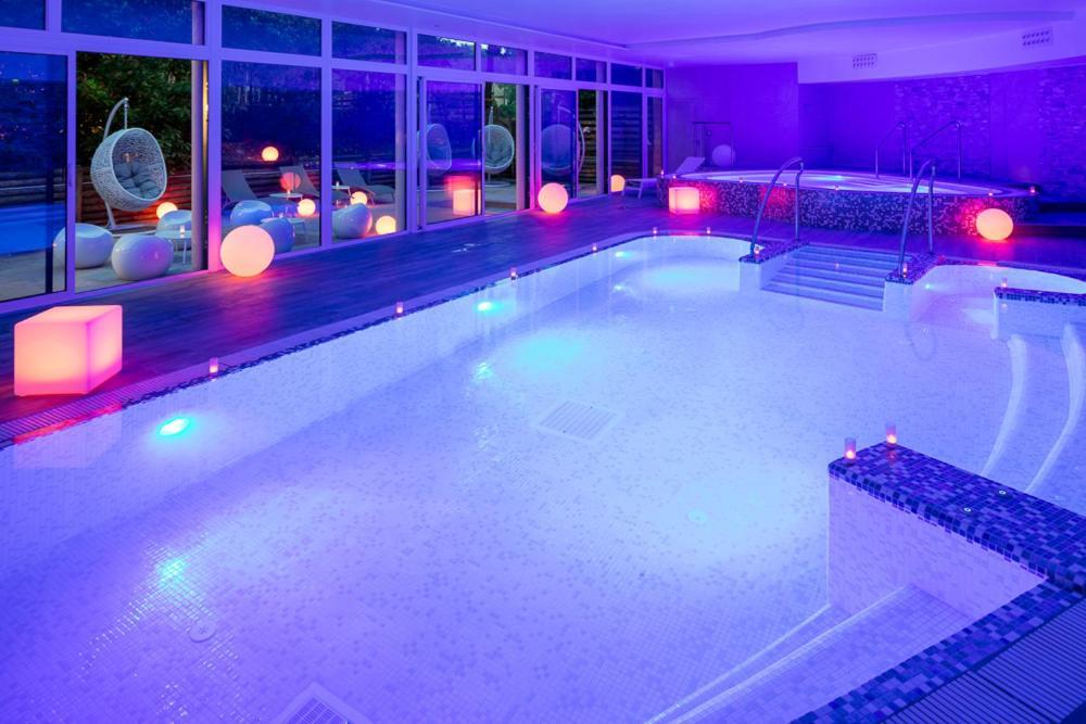 The swimming pool at or near Hôtel Vitalparc