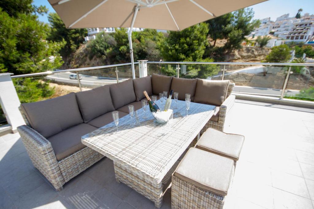 Supersol Muebles De Jardin.Villa Terrazas De Burriana Nerja Canovas Spain Booking Com