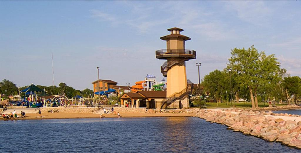King's Pointe Waterpark Resort