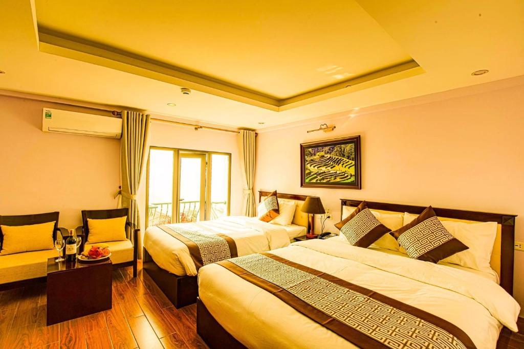 Phòng Deluxe 2 Giường Đơn Có Ban Công Và Tầm Nhìn Ra Núi