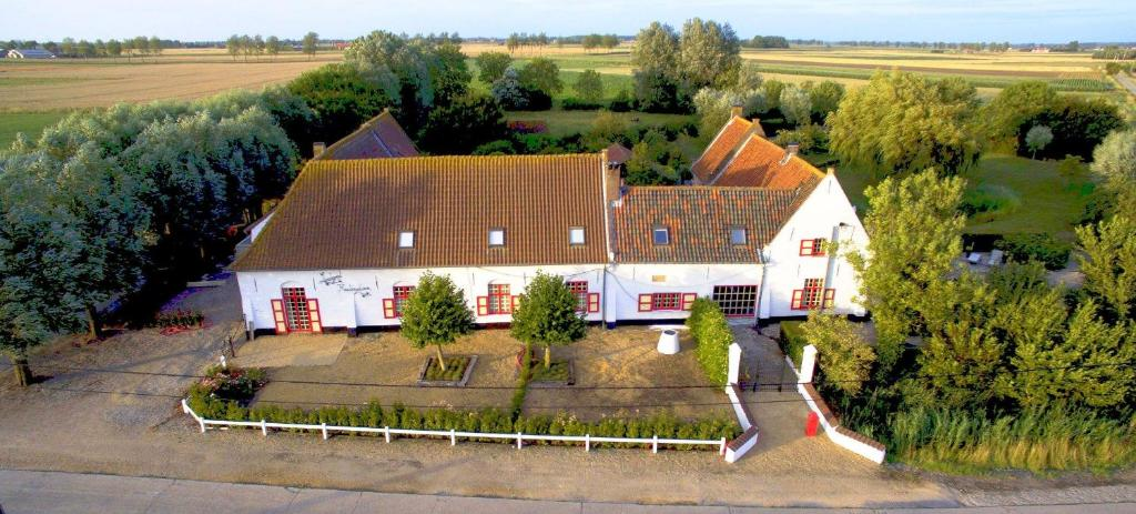 A bird's-eye view of Domaine 10