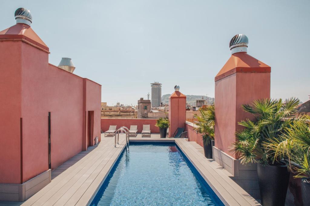 The swimming pool at or near Aparthotel Arai 4* Superior