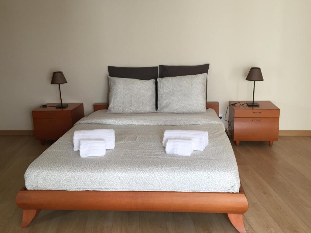 A bed or beds in a room at Refugio de Nadrupe