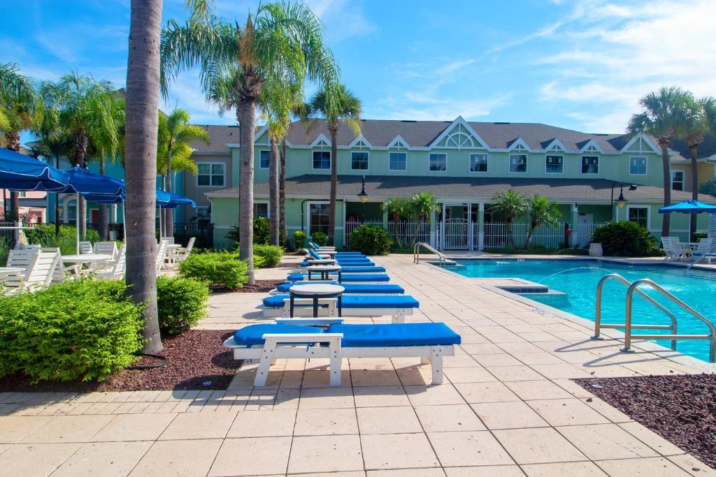 Aco Runaway Beach Club Resort 2 Bedroom