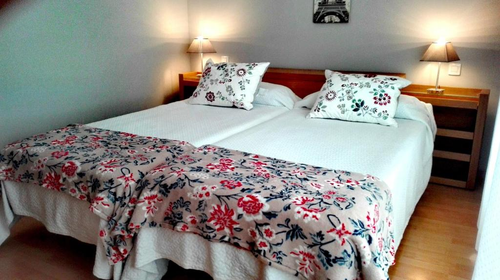 A bed or beds in a room at Apartment Canteras Beach Anadela