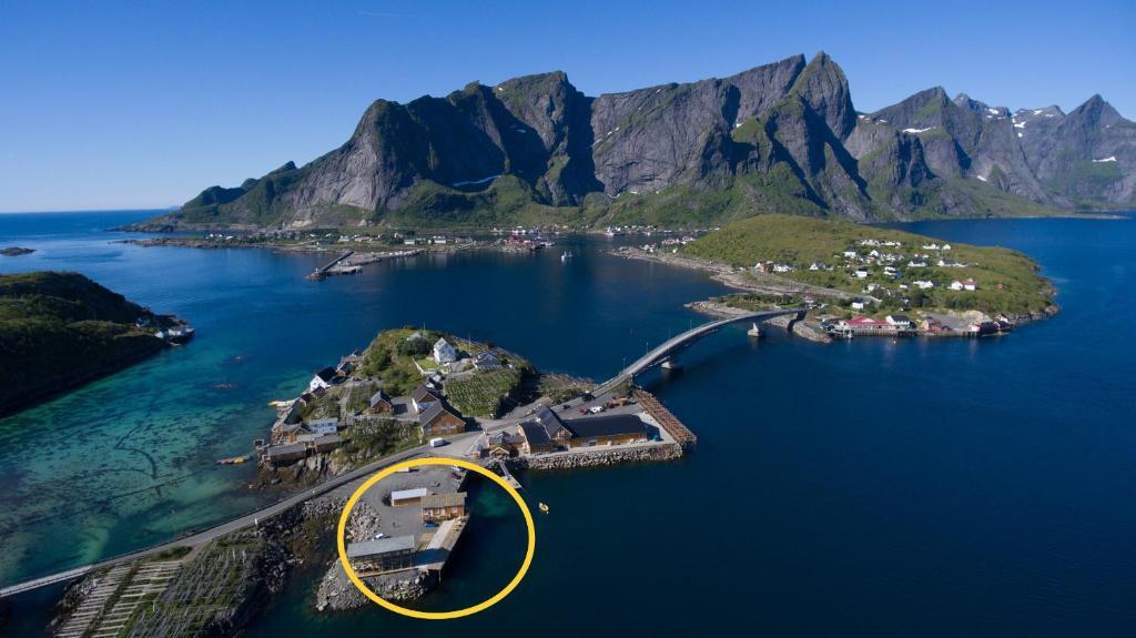 A bird's-eye view of Sakrisøy Mini Apartment