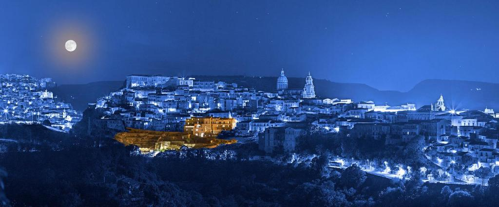A bird's-eye view of San Giorgio Palace Hotel Ragusa Ibla