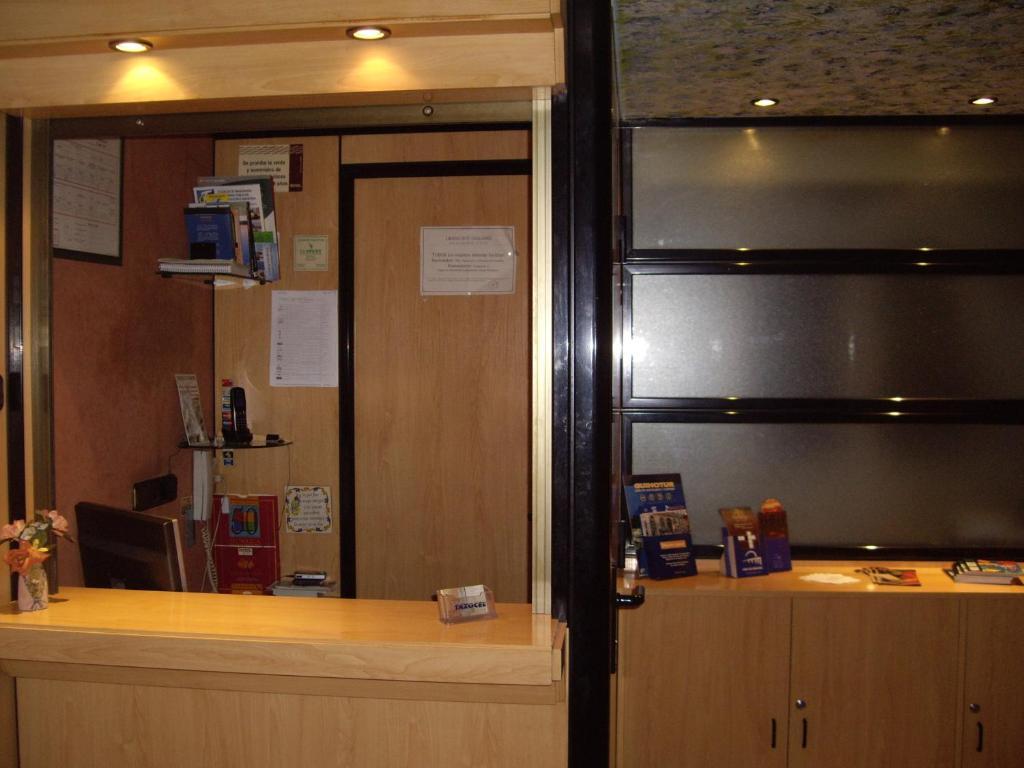The lobby or reception area at Pension Santa Gema