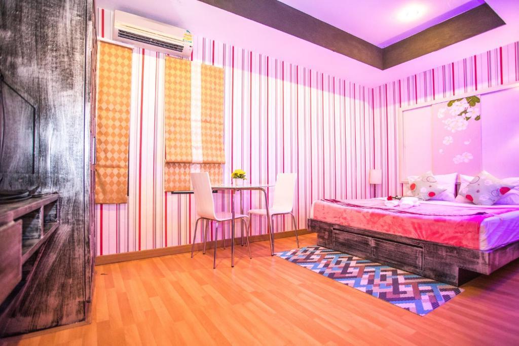 2C Phuket Hotel