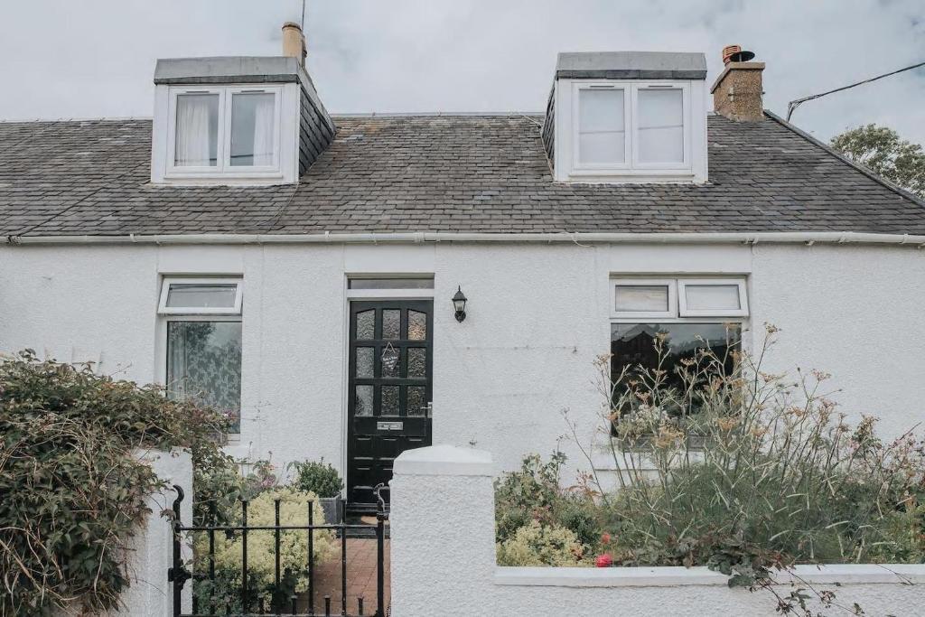 Pensión Five Sisters Guest Suite (Reino Unido West Calder ...