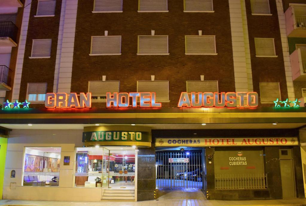 Gran Hotel Augusto (Argentina Mar del Plata) - Booking.com