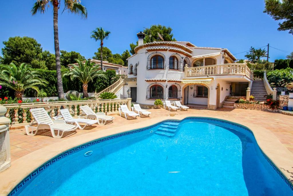 Rondel, Moraira – Updated 2019 Prices