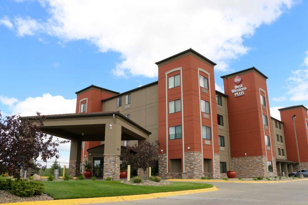 Best Western Plus Omaha Airport Inn.