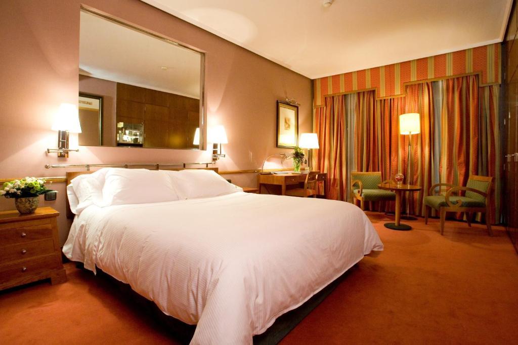 Hotel Palafox (España Zaragoza) - Booking.com