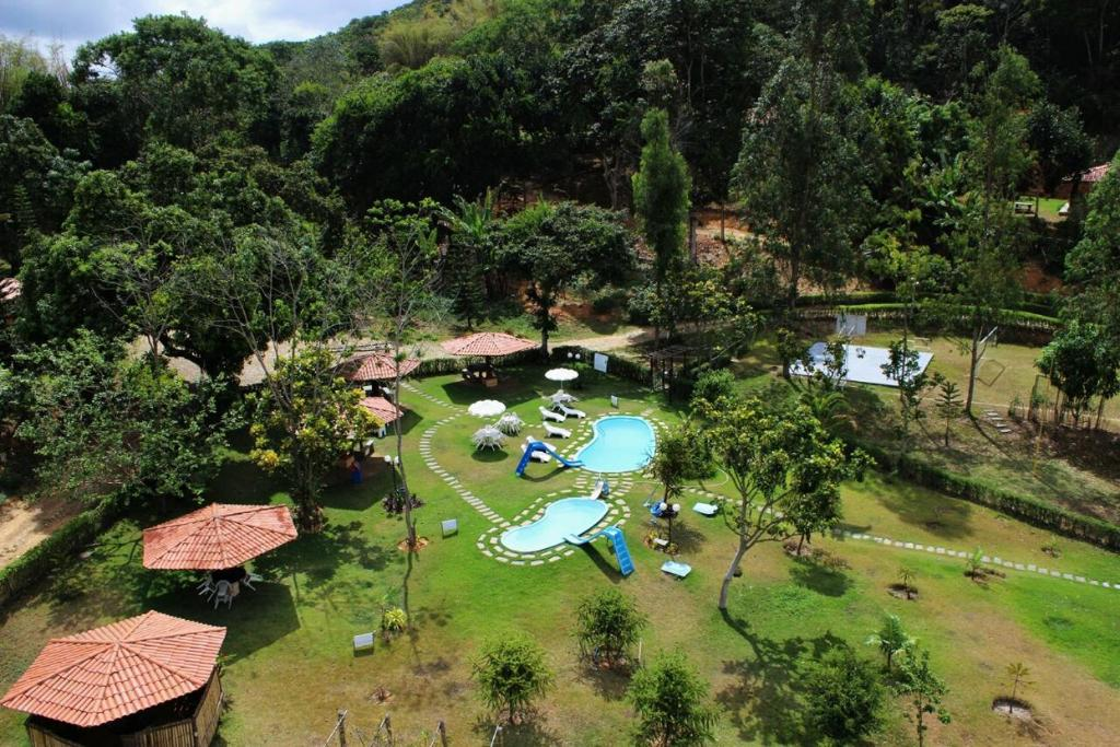 A view of the pool at Hotel Chale Nosso Sítio or nearby