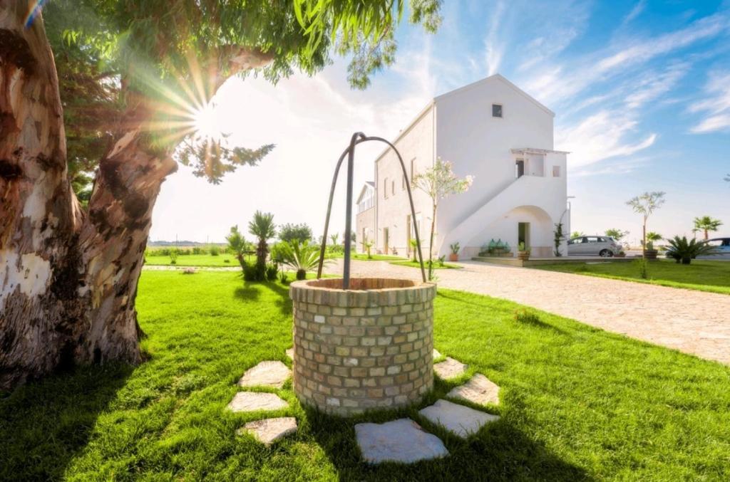 A garden outside Agriturismo Masseria Cannella